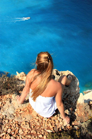 1071061_65568695_Girl_on_Edge_of_Cliff_stock_xchng_royalty_free_300