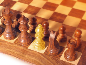 179395_1431_weak_link_chess_300