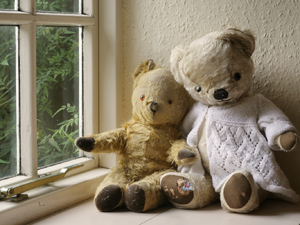 1075604_29978302_teddy_bears_stock_xchng_royalty_free_300
