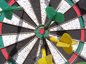 700724_51725745_darts_stock_xchng_royalty_free_300