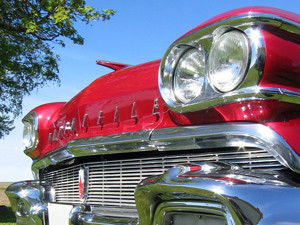 143794_8126_1958_Oldsmobile_stock_xchng_royalty_free_300